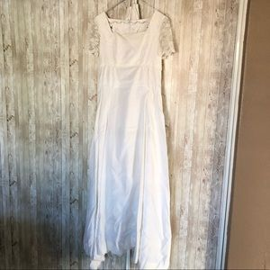 Vintage White & Lace Wedding Gown